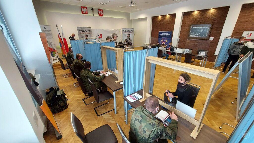 Zdjęcie obrazuje Wojskowe Centrum Rekrutacji w Siemiatyczach