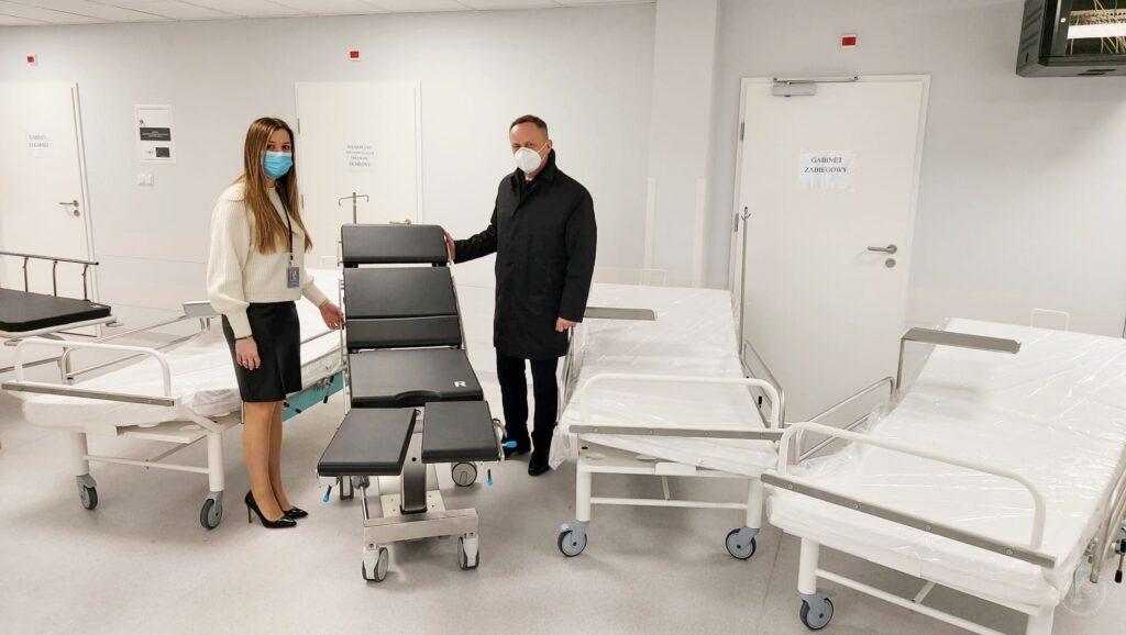 nowe łóżka i stoły operacyjne w siemiatyckim szpitalu